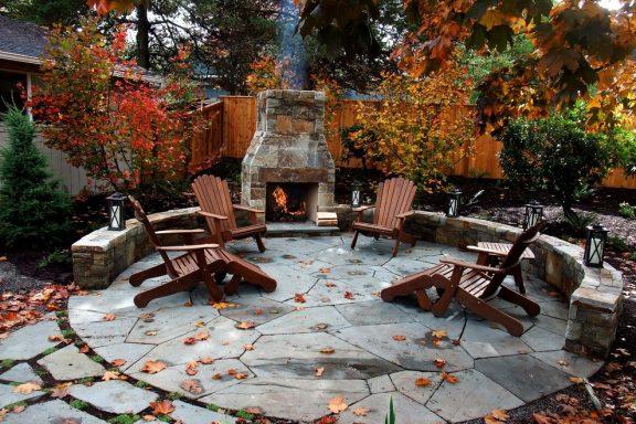Зустрічаєм осінь у своєму дворі.