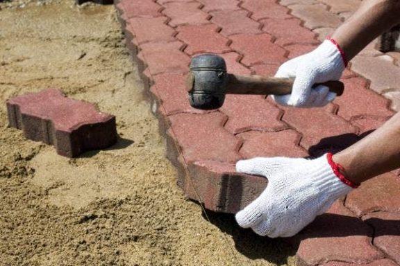 Укладка плитки на песок или ЦПС?