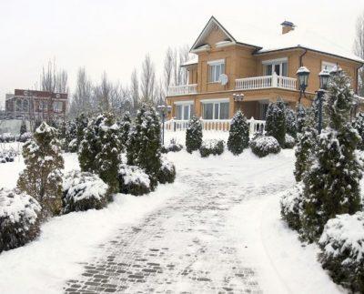 Догляд за тротуарною плиткою взимку
