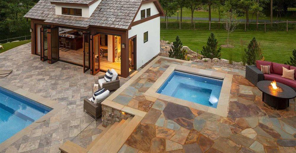 Дизайн внутреннего двора