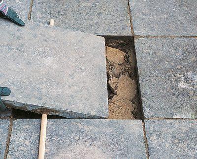 Як замінити тротуарну плитку