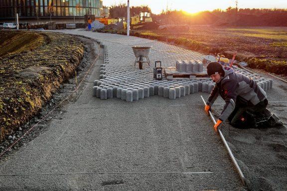 Дорога з тротуарної плитки