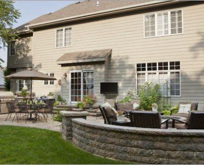 Как обустроить внутренний дворик для отдыха осенью и зимой